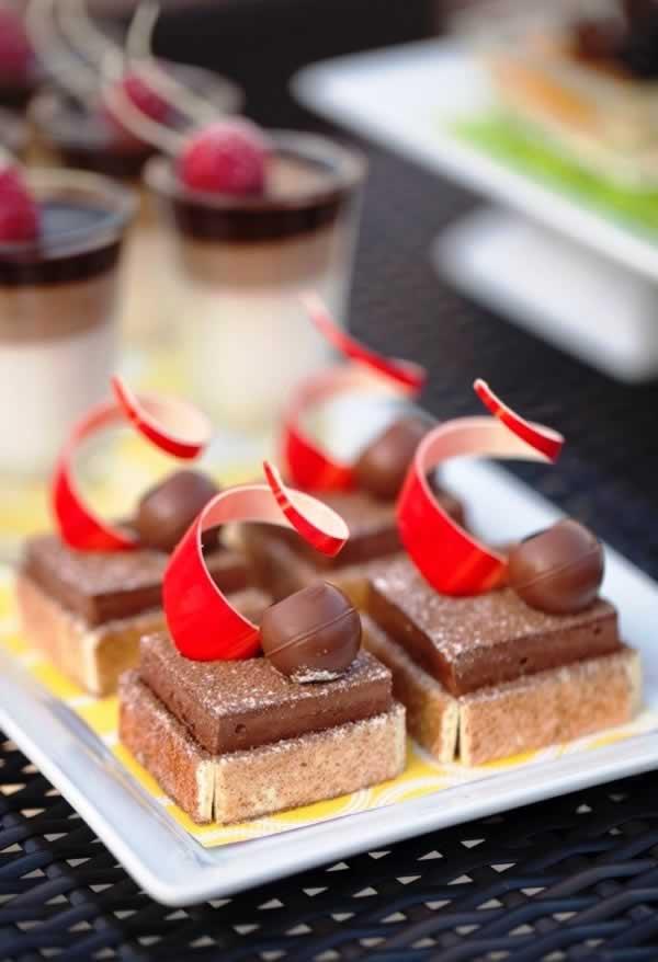 G_dessert-display-3