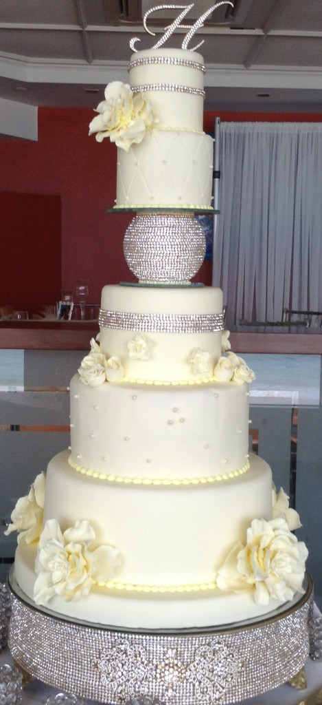 multi-tiered-white-cake